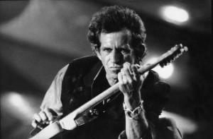 Foto 2 seguro dedos guitarrista Keith Richards
