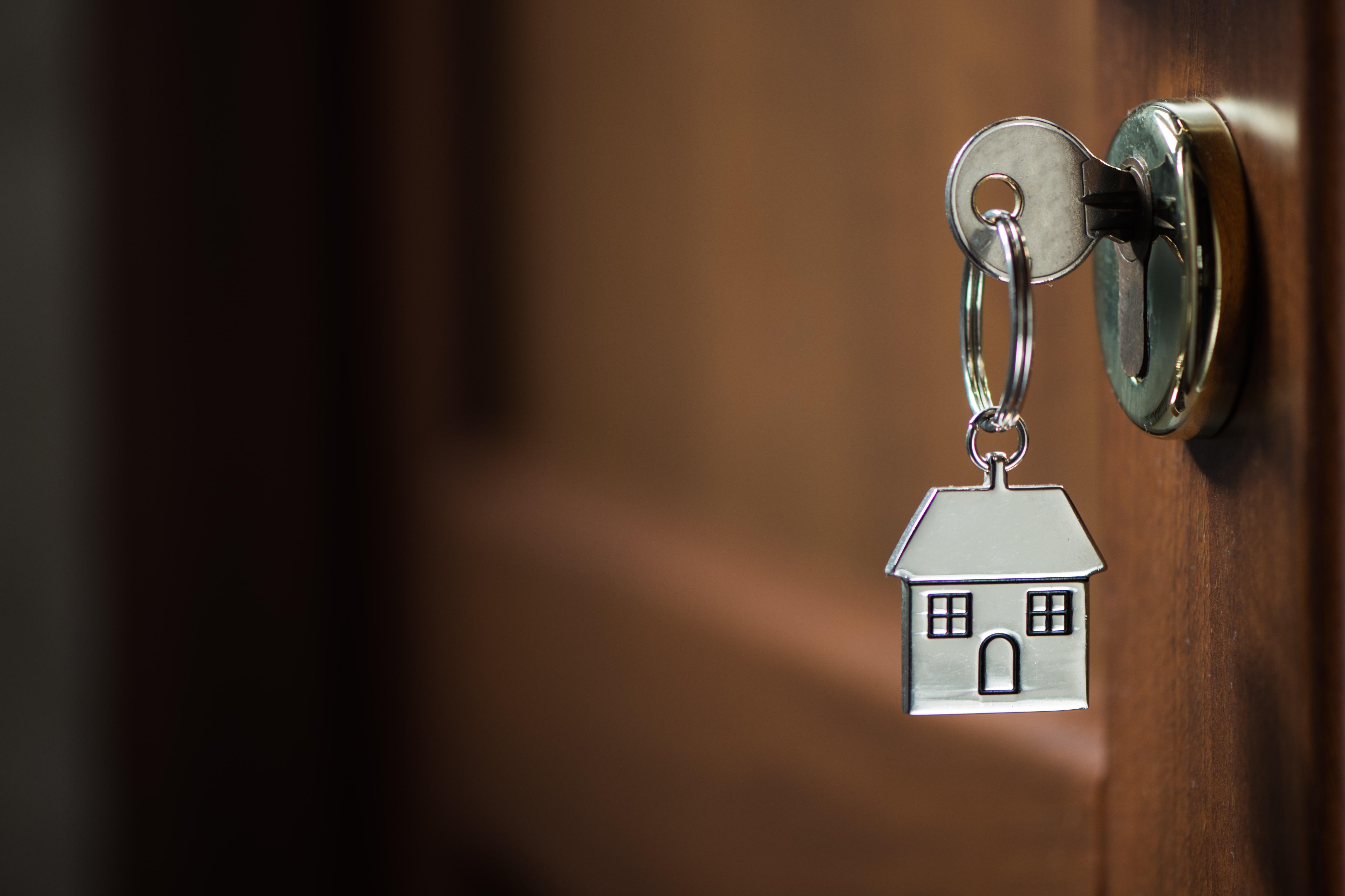 Diferencia-entre-robo-y-hurto-en-el-seguro-del-hogar
